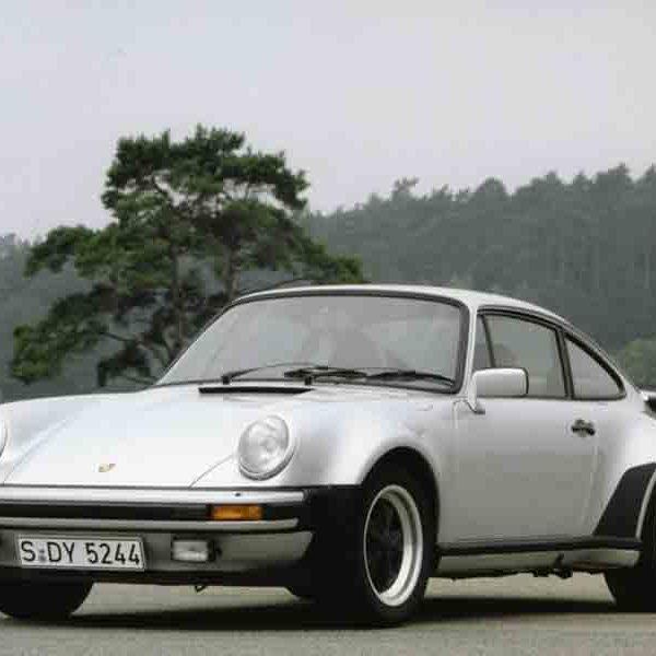 Porsche 911 Turbo / 930